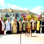 Priests of different confessions at the proclamation of the Declaration to the city