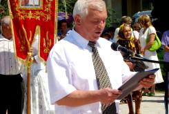 Иван Ткачук, мэр города Лановцы, зачитывает                                                       Декларацию городу Лановцы