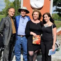 В.Андрощук, Сол Сільван та Таня Мейлер з донькою, США ( нащадки лановецьких євреїв)